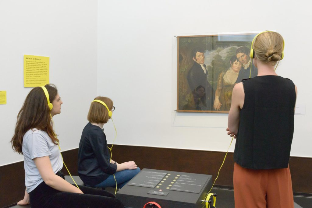 transparentes-museum_hoer-und-aufnahmestation-zum-thema-vermitteln-vielstimmigkeit