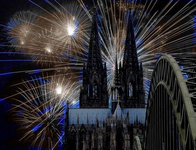 Как поздравить с Рождеством и Новым годом по-немецки? Полезные выражения